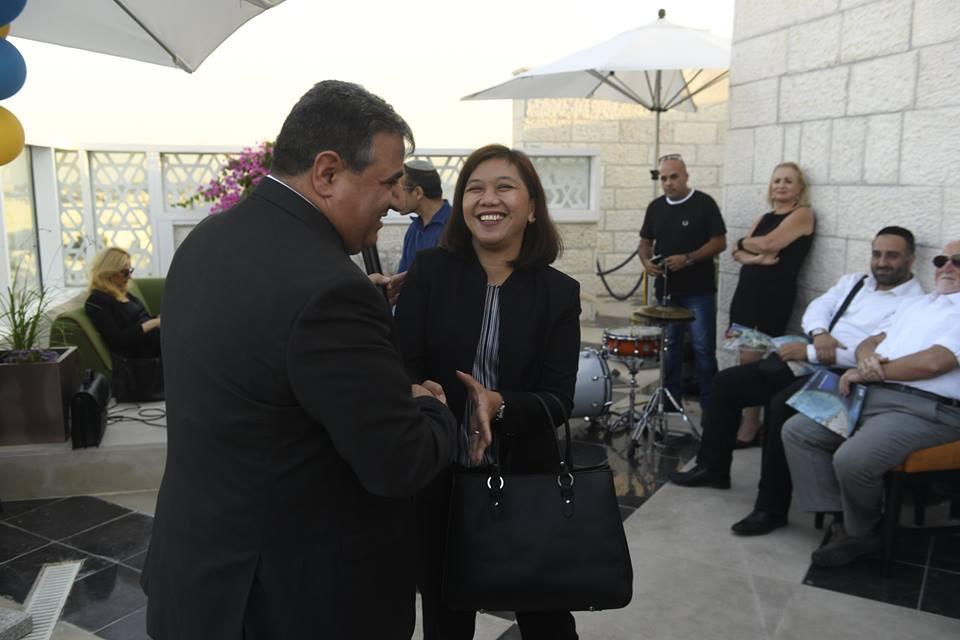 נשיא לשכת המסחר עם גו'די 2