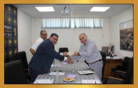 נשיא לשכת המסחר דרור אטרי מארח את קונסול כבוד של בורונדי
